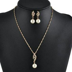 🆕14k gold plated elegant pearl Rhinestone set